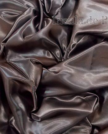 Draperie lucioasa maro inchis